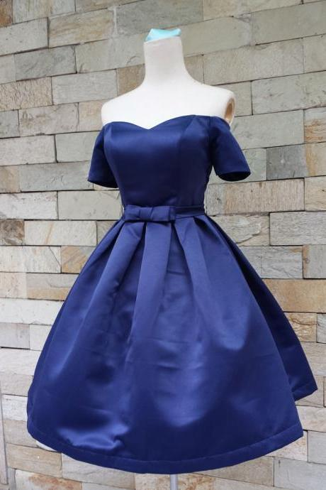 Royal Blue Off-The-Shoulder Sweetheart Neckline Short Homecoming Dress with Bow Accent
